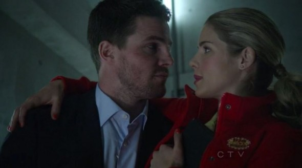 Arrow Star Stephen Amell On the Potential Laurel, Felicity & Oliver