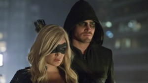 arrow-crucible-caity-lotz-stephen-amell-600x337