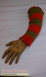 A-Nightmare-On-Elm-Street-5-The-Dream-Child-Freddy-Krueger-arm-1