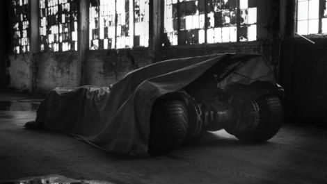 zack-snyder-teases-the-new-batmobile-162699-a-1399960978-470-75