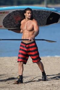 Jason-Momoa-shirtless-body