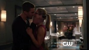 arrow Oliver Felicity Kiss
