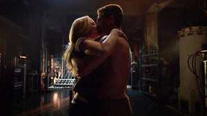 oliver-and-sara-kiss.jpg.pagespeed.ce._o2zeNbs6A