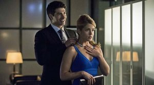 Arrow Draw Back Felicity