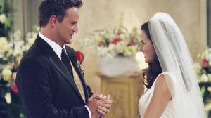 53a0786c1d161_-_cos-01-monica-chandler-wedding-xl