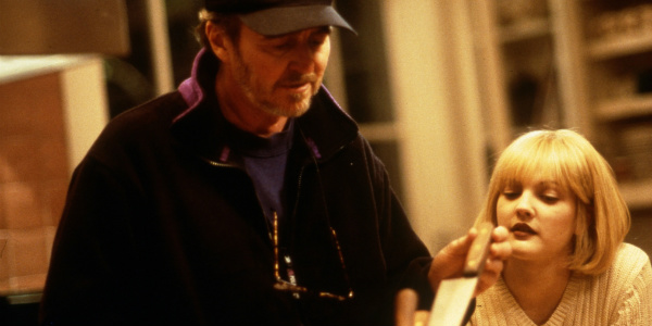 Scream-Wes-Craven-Drew-Barrymore-Behind-The-Scenes