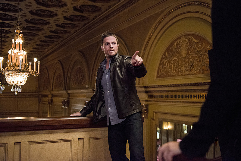 "Arrow -- ""The Candidate"" -- Image ARR402B_0309b -- Pictured: Stephen Amell as Oliver Queen -- Photo: Cate Cameron /The CW -- © 2015 The CW Network, LLC. All Rights Reserved."