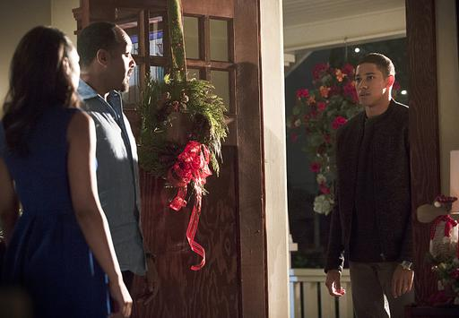 "The Flash -- ""Running to Stand Still"" -- Image: FLA209b_0097b.jpg -- Pictured (L-R): Candice Patton as Iris West, Jesse L. Martin as Detective Joe West and Keiynan Lonsdale as Wally West -- Photo: Katie Yu/The CW -- © 2015 The CW Network, LLC. All rights reserved."