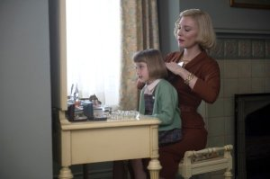 carol-carol-spends-time-with-her-daughter-rindy-played-by-sadie-heim