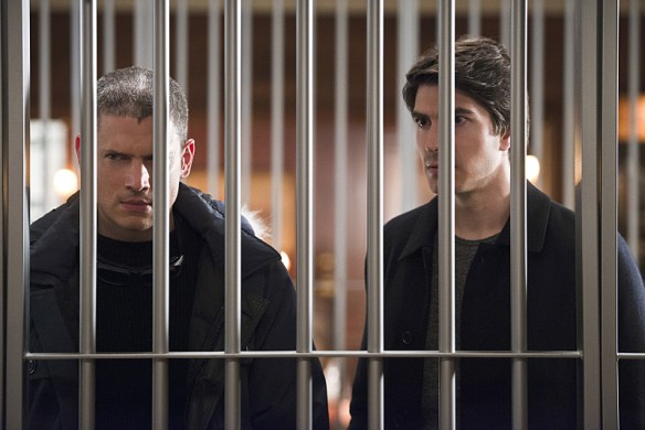 "DC's Legends of Tomorrow -- ""Pilot, Part 2"" -- Image LGN102_20150922_0311b.jpg -- Pictured (L-R): Wentworth Miller as Leonard Snart/Captain Cold and Brandon Routh as Ray Palmer/Atom -- Photo: Diyah Perah/The CW -- © 2015 The CW Network, LLC. All Rights Reserved."