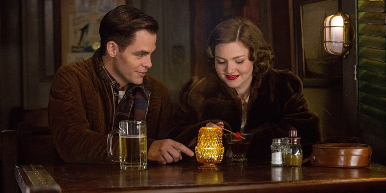 Chris-Pine-and-Holliday-Grainger-in-The-Finest-Hours