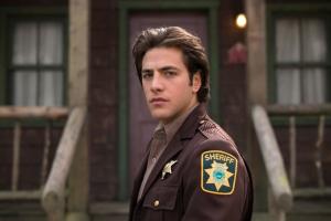 """DEAD OF SUMMER - Freeform's """"Dead of Summer"""" stars Alberto Frezza as Deputy Sykes. (Freeform/Tyler Shields)"""