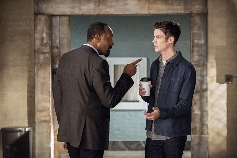 """The Flash -- """"Paradox"""" -- Image: FLA302b_0051b.jpg -- Pictured (L-R): Jesse L. Martin as Detective Joe West and Grant Gustin as Barry Allen -- Photo: Dean Buscher/The CW -- © 2016 The CW Network, LLC. All rights reserved."""