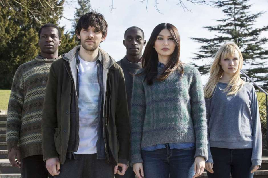 humans-the-ground-breaking-robot-sci-fi-series-is-back-for-a-second-season
