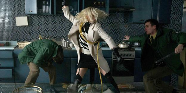 atomic-blonde-movie-charlize-theron-fight.jpg